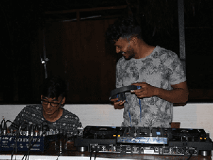 Artifamily DJs made sure that we Rock on and set the stage on fire.